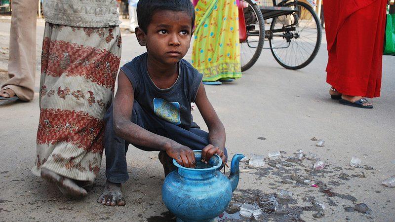 Как Индия осталась почти без 2 миллионов граждан. Почему людей не внесли в Национальный реестр
