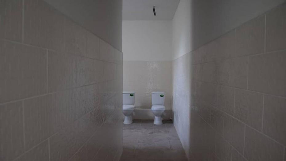 """""""Смотрите, как хорошо живем"""": Примария села Копчак опубликовала фото отремонтированных в лицее туалетов"""