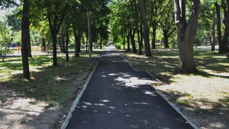"""Первый этап реконструкции парка """"Алунелул"""" на стадии завершения"""