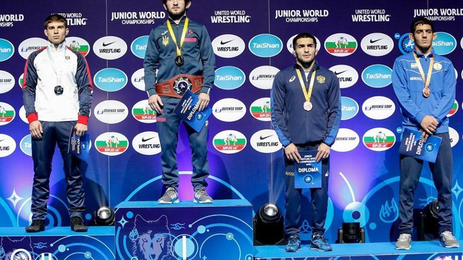 Молдавский борец завоевал серебряную медаль молодежного чемпионата мира