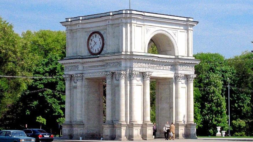 Митрополия Молдовы предложила включить Триумфальную арку в список памятников, охраняемых государством