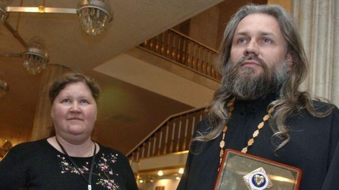 Российский священник, который усыновил более 70 детей, обвиняется в сексуальном насилии над приемными детьми