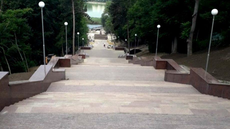 """Открытие гранитной лестницы в парке """"Валя Морилор"""" пройдет 17 сентября"""