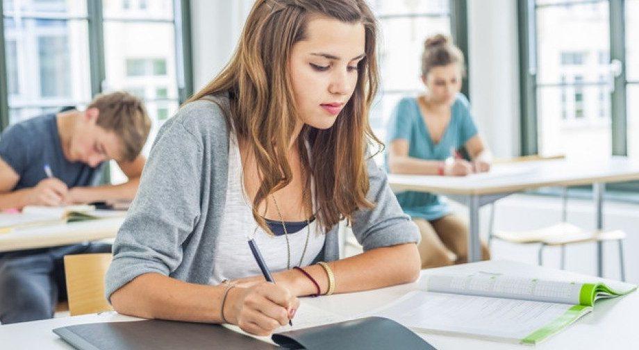 Готовимся к экзамену БАК-2020 по английскому языку, решая тесты за последние 5 лет