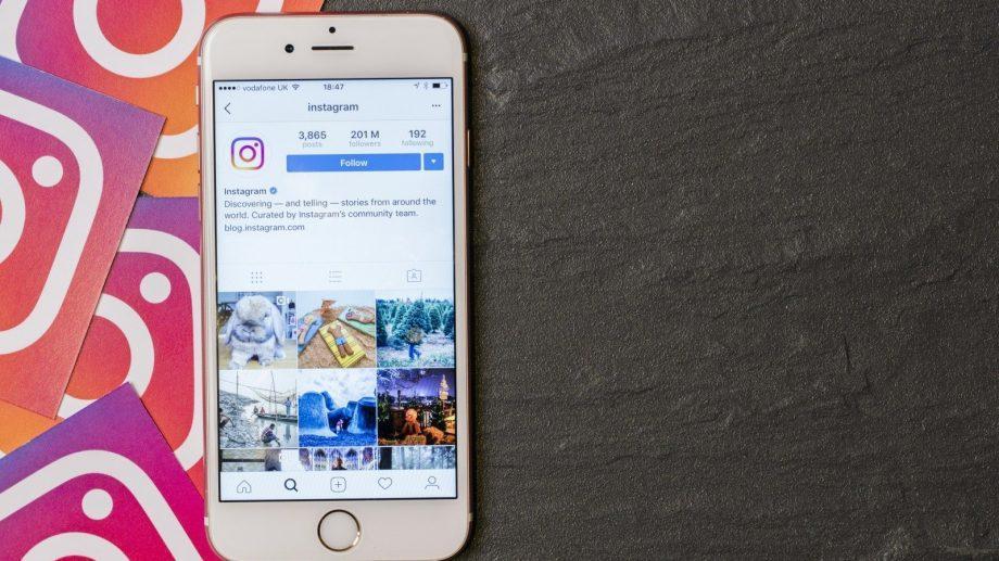В Instagram больше нельзя будет смотреть что лайкают, комментируют и на что подписываются друзья