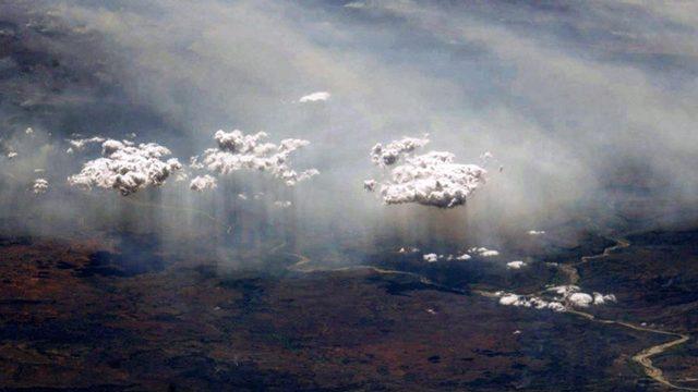 «Земля в иллюминаторе». Космонавт сделал фото дождя с МКС