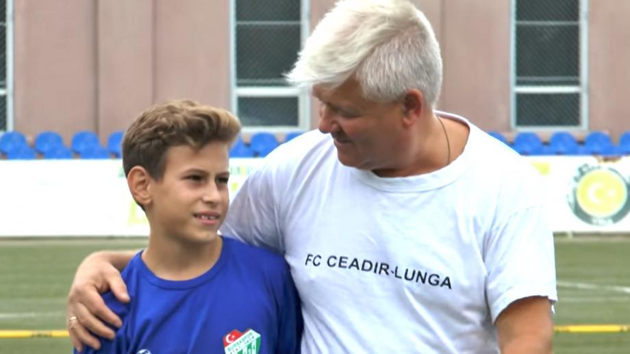 """(видео) """"Футбол-ваше лекарство"""". История команды из Гагаузии и их тренера"""