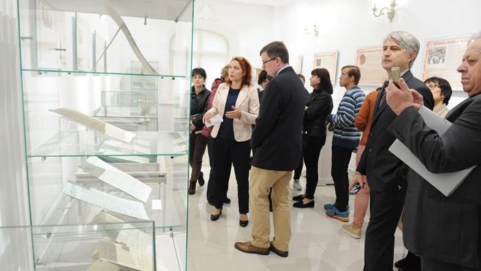 Восстановленные старинные бессарабские грамоты выставили в Национальной библиотеке