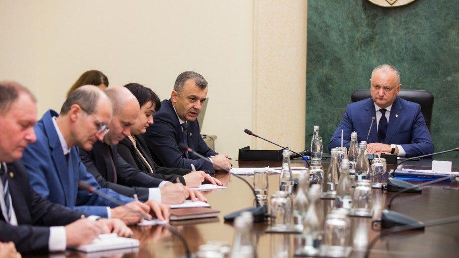 Без прессы: какие вопросы обсуждались на встрече кабмина с президентом