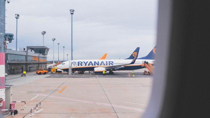 В Варшаву или Берлин за 10 евро: Ryanair распродает билеты на полеты по Европе из Украины