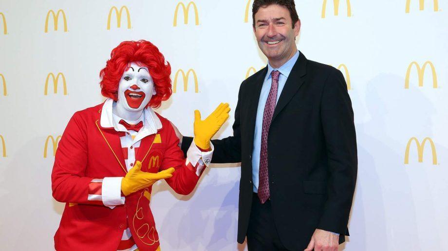 Генерального директора McDonald's уволили за роман с подчиненной