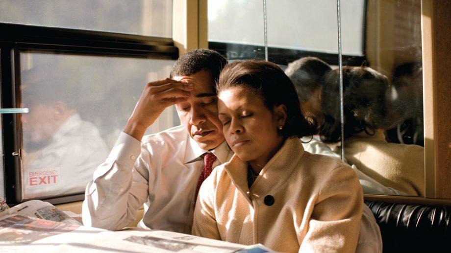 «Политика не слишком добра к семьям». Отрывок из книги Мишель Обама: Becoming. Моя история