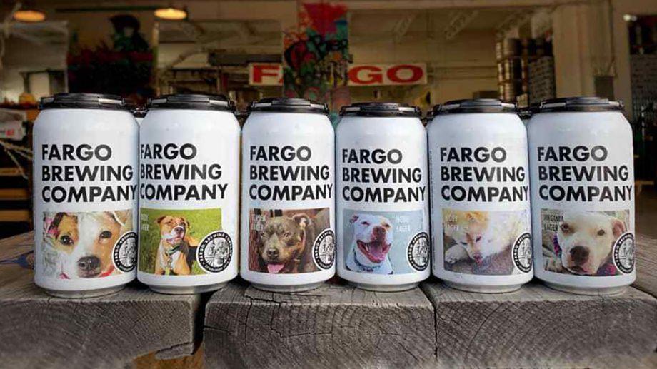 Американская крафтовая пивоварня напечатала на банках фотографии собак, чтобы их забрали из приюта