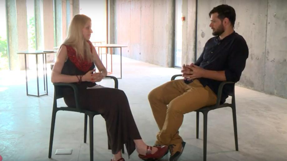 (видео) Архитектор Максим Калужак в новой передаче Zona Ars рассказал о современном арт-пространстве в Молдове