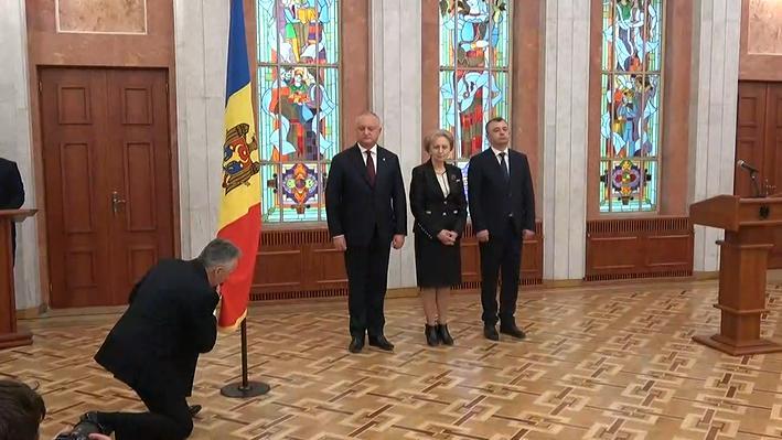 (видео) Новый кабинет министров принес присягу