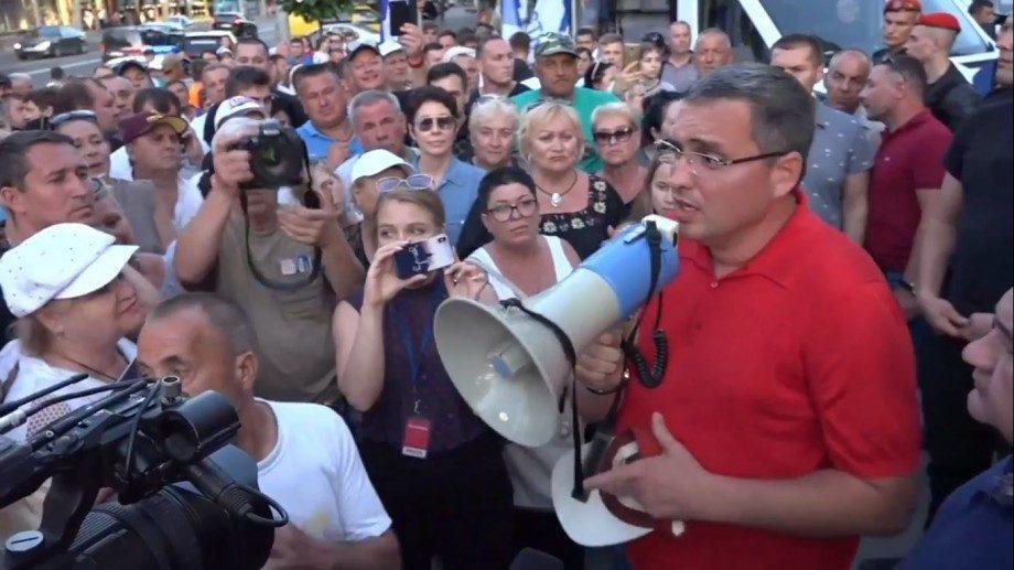 «Выходим красиво». Ренато Усатый призывает к протестам перед утверждением нового правительства