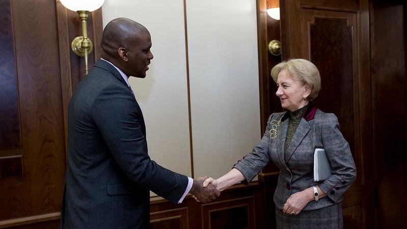 (видео) «Мы продолжим сотрудничество с блоком ACUM». Зинаида Гречаный встретилась с послом США