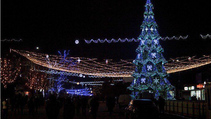 Ренато Усатый назвал дату открытия новогодней елки в Бельцах. Затраты на аренду праздничной ели покроют из его личных средств