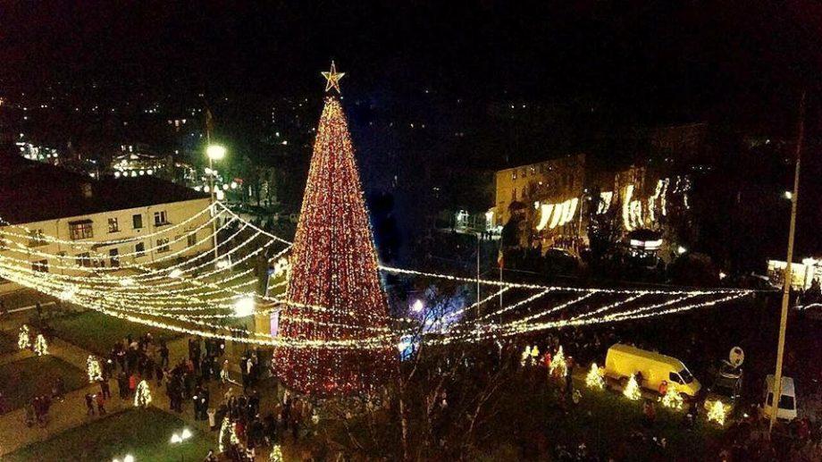 В Оргееве 7 декабря откроют 24-метровую новогоднюю елку
