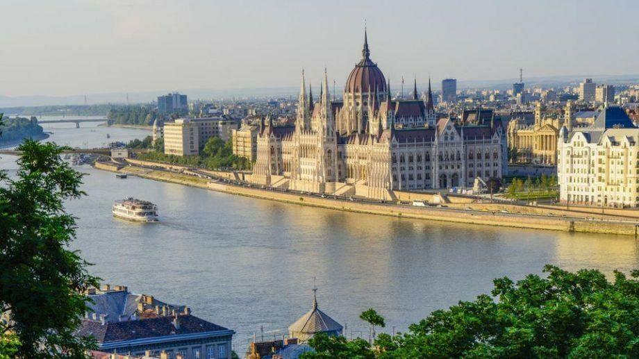 Венгрия предоставит 40 стипендий для учащихся из Молдовы