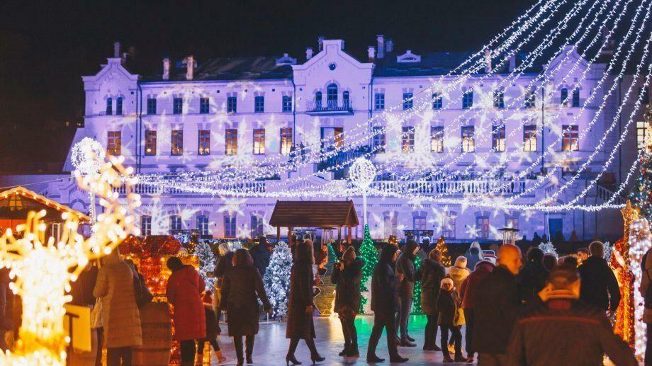 (фото) Самая волшебная рождественская ярмарка страны завершилась грандиозным концертом в замке Мими