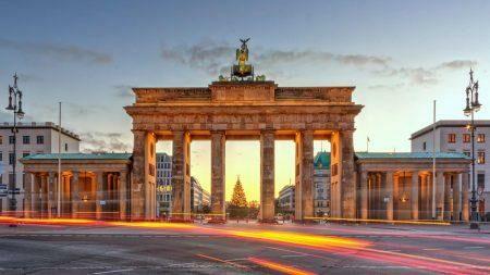 Zis Foundation предоставит 600 евро для поездки в Германию. Что для этого нужно сделать
