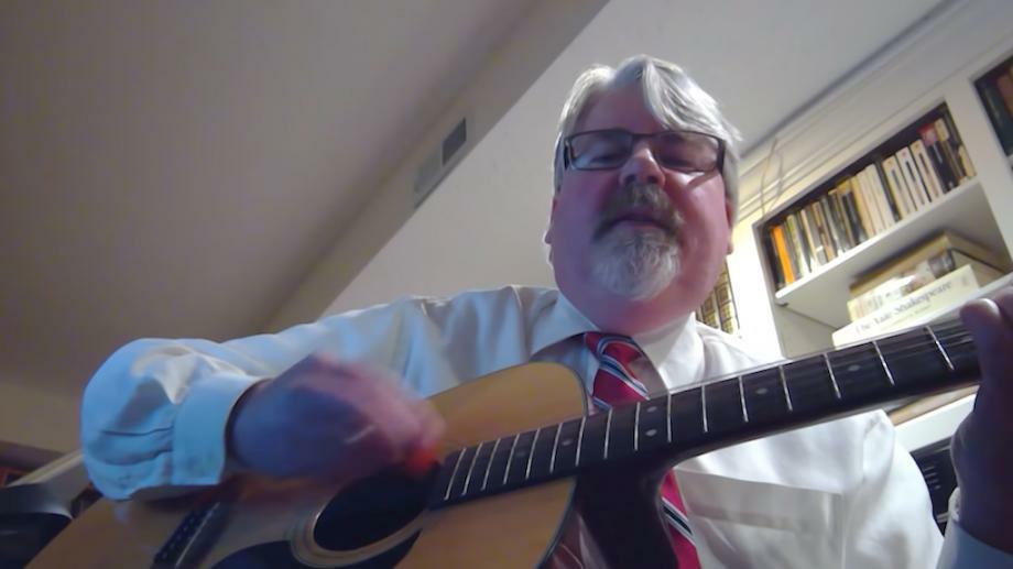 (видео) Профессор перепел песню I Will Survive, в которой рассказал, как выжить во время дистанционной учёбы из-за коронавируса