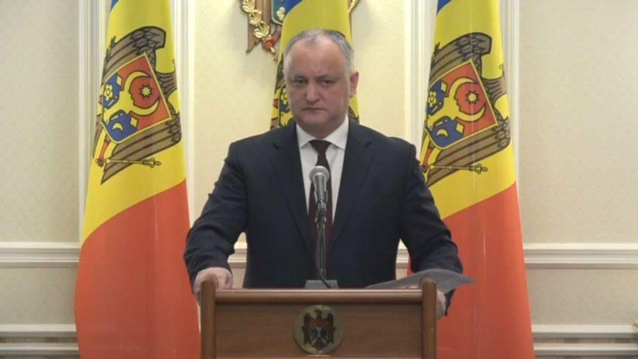 Додон предлагает механизм, согласно которому поездки в Молдову из Италии могут быть запрещены для граждан других стран