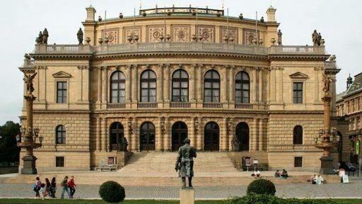 Путешествие летом в Чехию: открыт набор в летнюю школу журналистики и социокультурных исследований в Праге