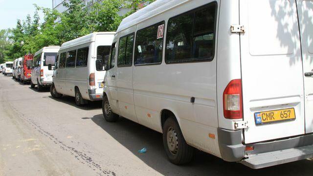 В Кишиневе еще 15 маршрутных такси завтра вернутся к работе. Что нужно знать пассажирам