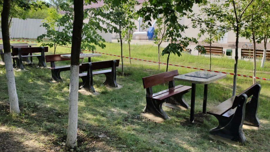 (фото) В Комрате обустроили аллею для занятий по шахматам и шашкам