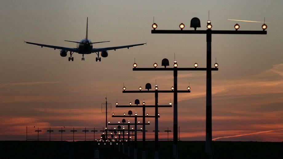 Россия продлила до 1 августа ограничение на международные полеты