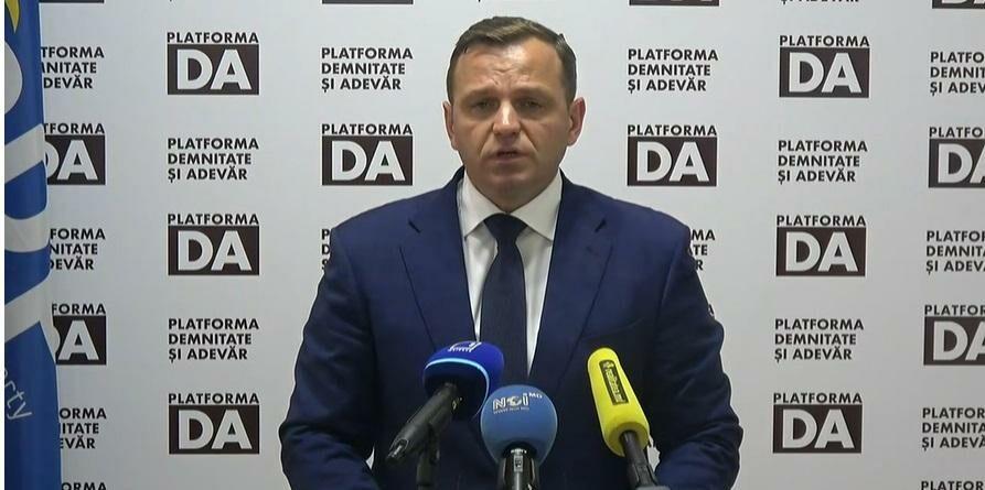 (видео) Председатель Платформы DA Андрей Нэстасе сообщил о запуске приложения для прямого общения членов партии с избирателями