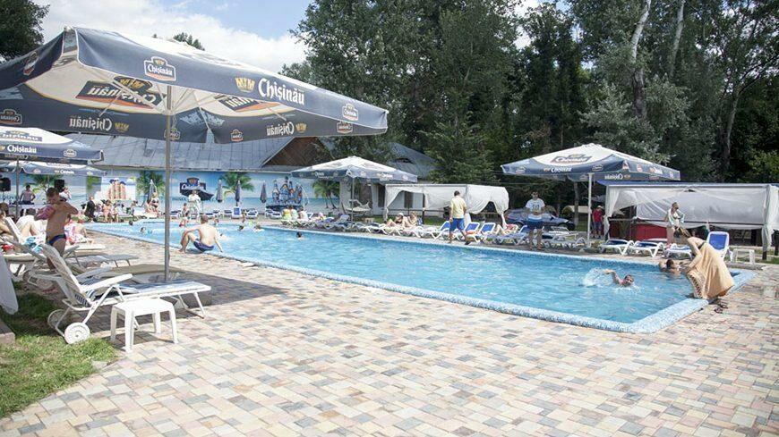 Через неделю в Молдове могут вновь открыть бассейны